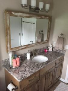 Bathroom-Counter-and-Mirror
