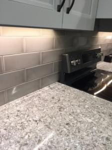 Kitchen-Counter-and-Backsplash